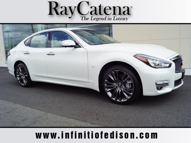 Certified Pre-Owned 2019 INFINITI Q70 3.7X LUX