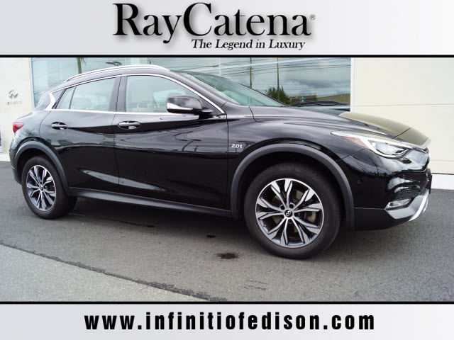 Certified Pre-Owned 2017 INFINITI QX30