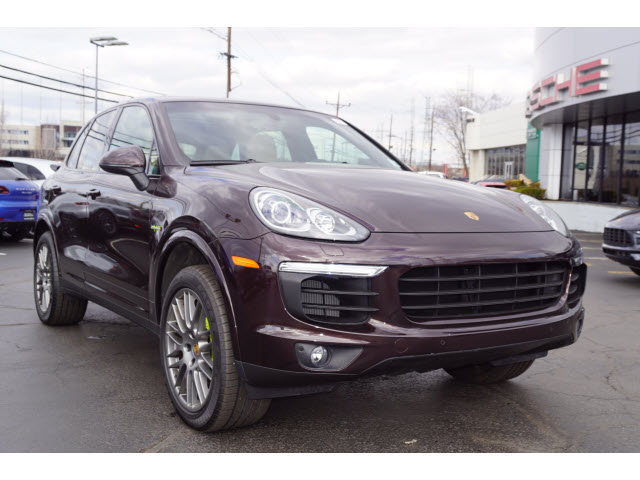pre owned 2017 porsche cayenne s e hybrid awd s e hybrid 4dr suv in edison u1376 ray catena. Black Bedroom Furniture Sets. Home Design Ideas
